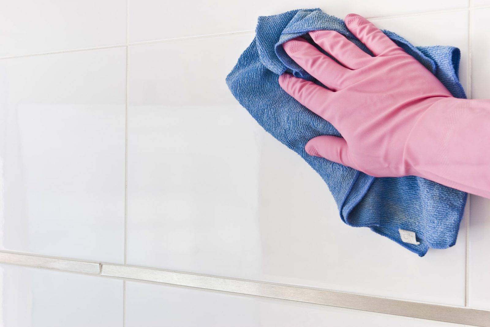 cleaning tiles by cleaning services in Mount Prospect