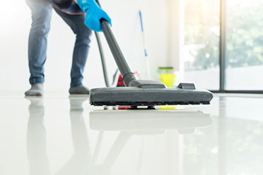 vacuuming floor services